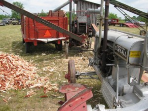 wide-front-farmall-regular-and-ihc-corn-sheller.jpg