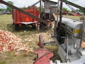wide-front-farmall-regular-and-ihc-corn-sheller.jpg